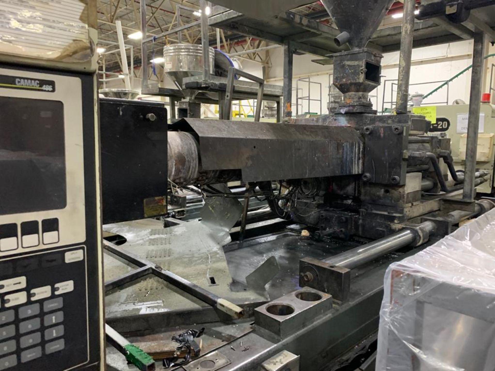 Lot 12 - 300 TON CINCINNATI MILACRON VH300-36 PLASTIC INJECTION MOLDING MACHINE, MFG YEAR 1994