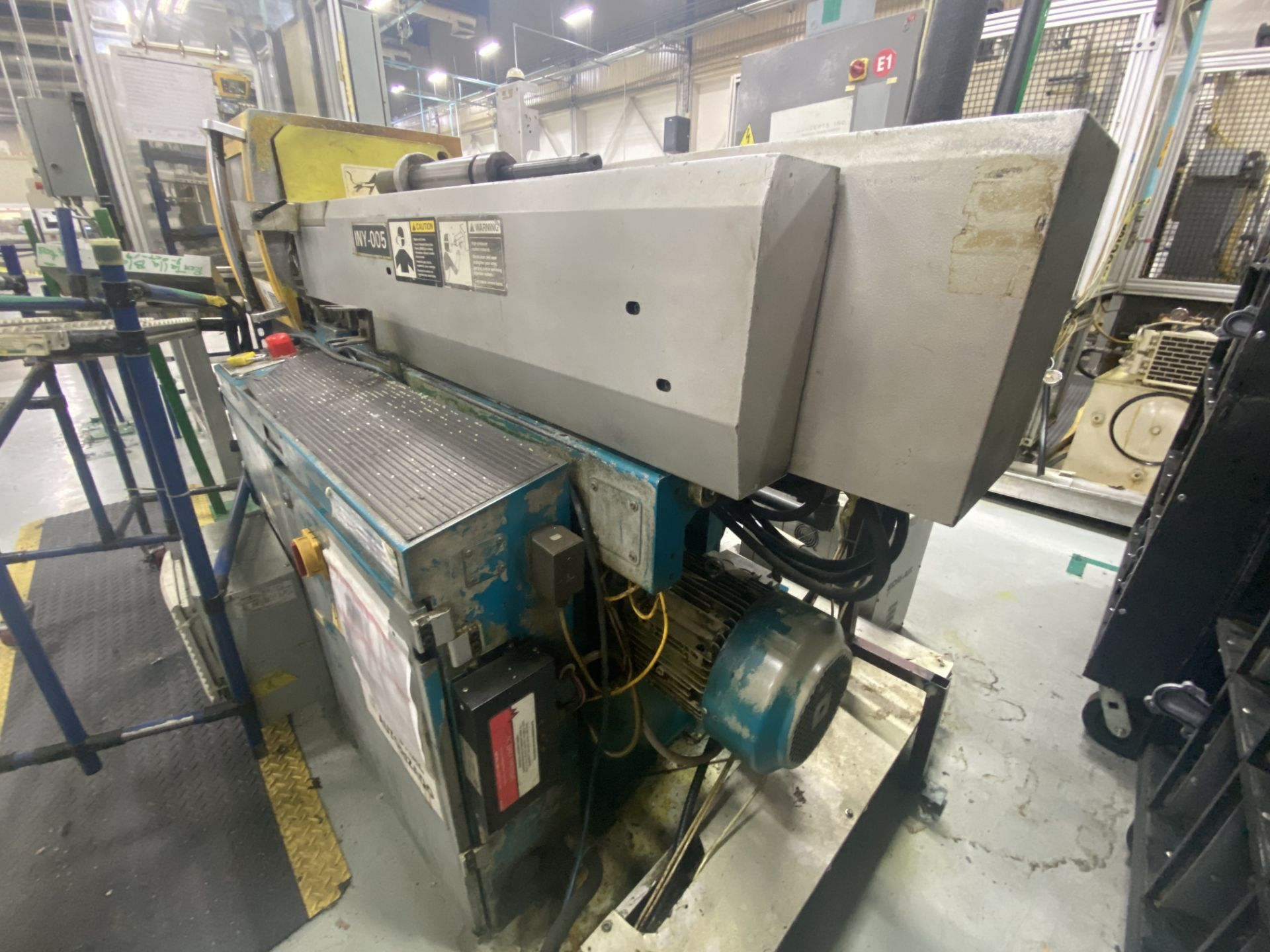 Lot 59 - Boy Machine Plastic Injection Machine, year 2004, model 37107, S / N P7D38-1