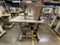 (2) Máquinas de costura marca Golden Wheel de una aguja