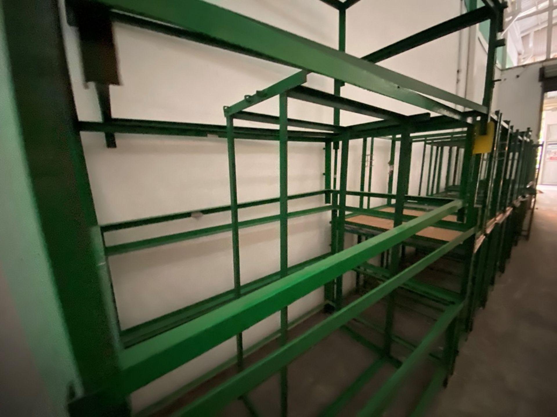 Aproximadamente 80 estantes metálicos en PTR y ángulo de diferentes medidas - Image 6 of 8