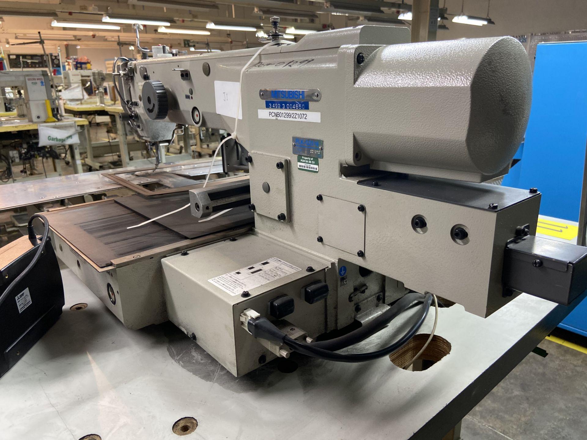 Lot 11 - Máquina de costura programable marca Mitsubishi de una aguja, Modelo: PLK-G2516