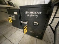 (2) Cajas fuertes marca SENTRY y American Security