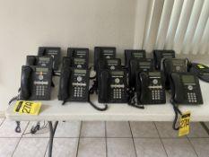 Lote de 15 teléfonos digitales para internet marca Avaya