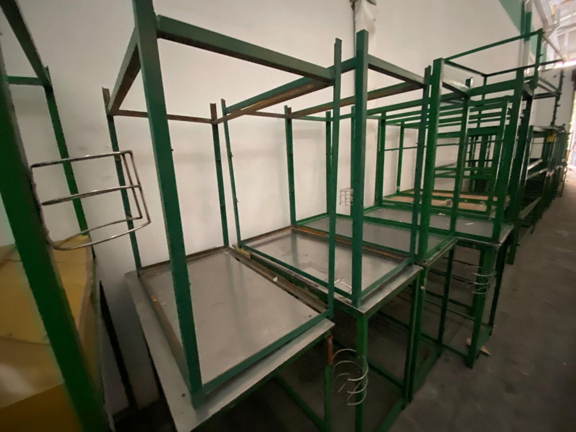 Aproximadamente 80 estantes metálicos en PTR y ángulo de diferentes medidas - Image 5 of 8