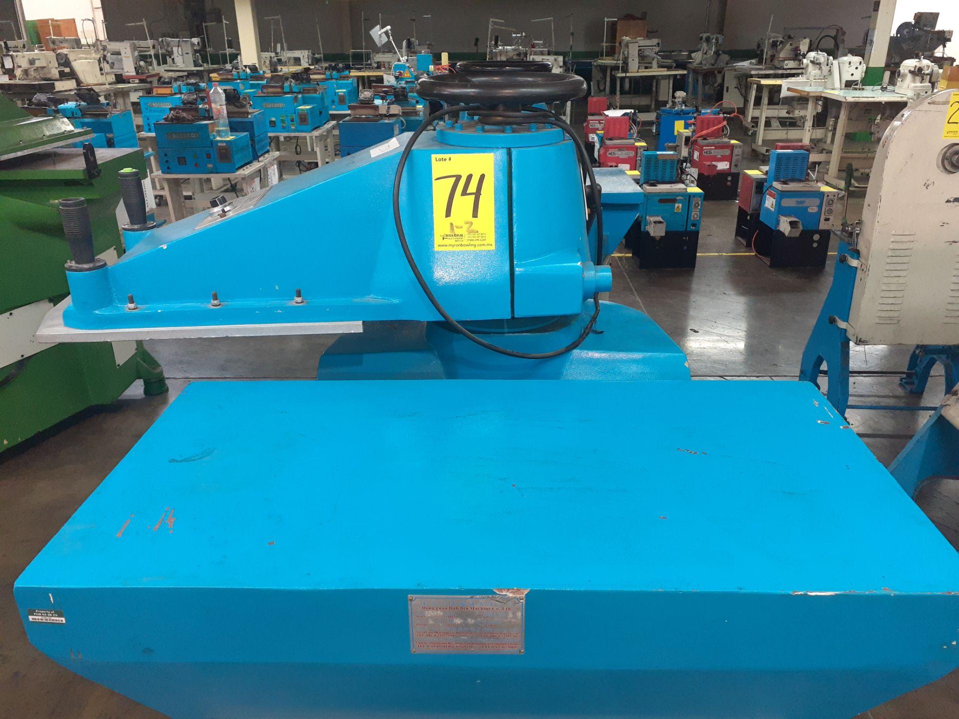 (2) Prensas de corte hidráulica de brazo oscilante, marca Dong guan Dah Dine Machine, Modelo: DJ-103 - Image 8 of 17
