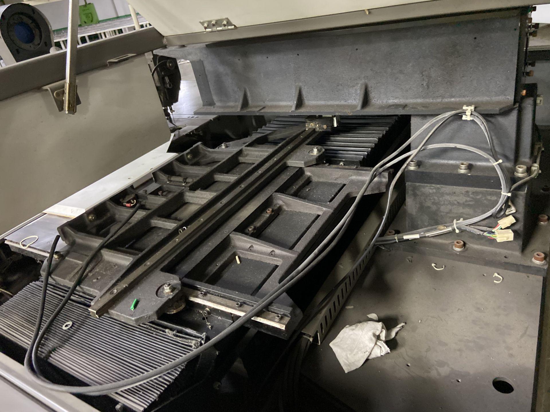 Lot 91 - Máquina de coser industrial computarizada de alto rendimiento marca Orisol, Modelo: OS-305