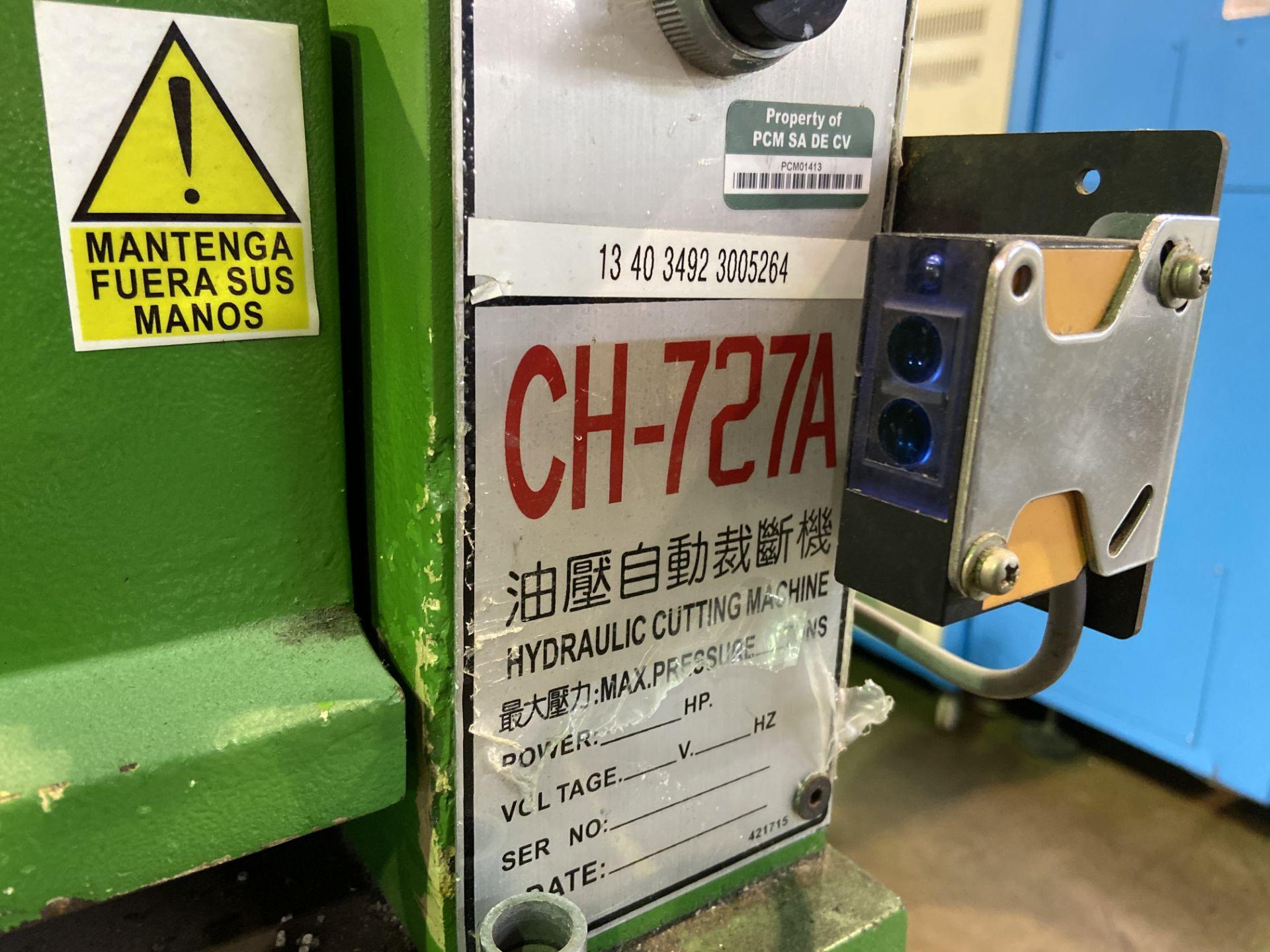 Lot 6 - (2) Prensas de corte hidráulica plana, marca Hydraulic Cutting Machine, Modelo: CH-727A.