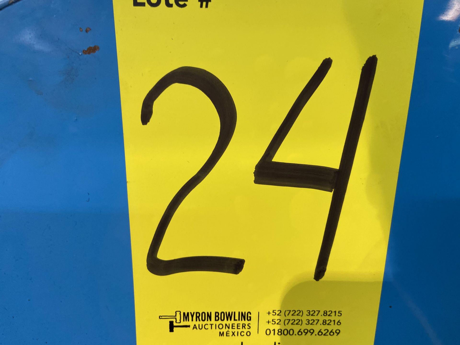 Lot 24 - Prensa de grommet marca Shum Shuay Enterprise