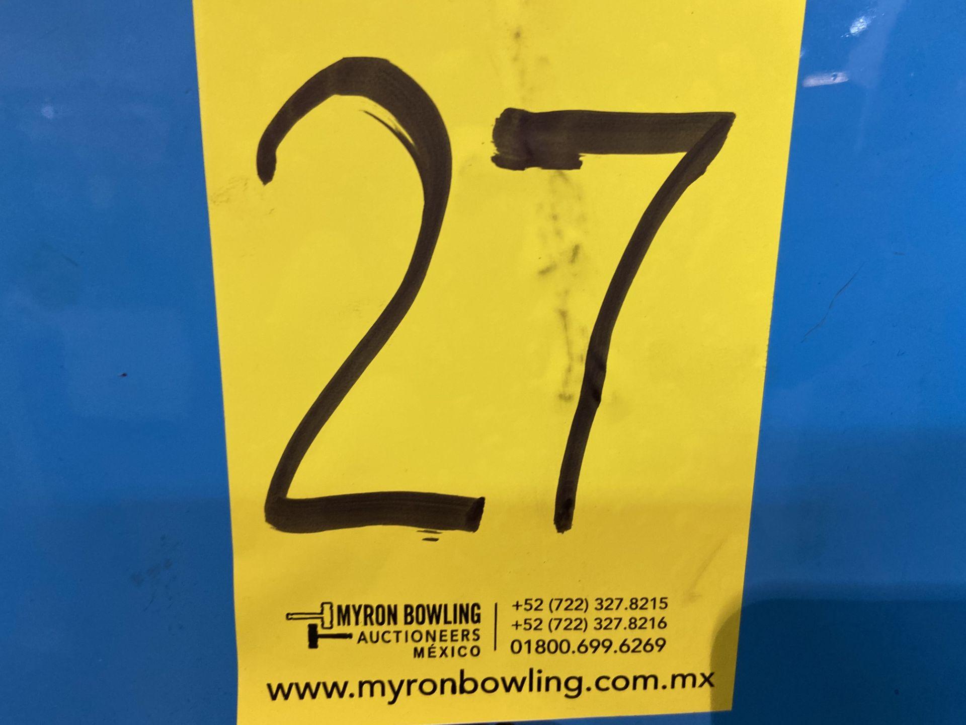 Lot 27 - Prensa de grommet marca Shum Shuay Enterprise