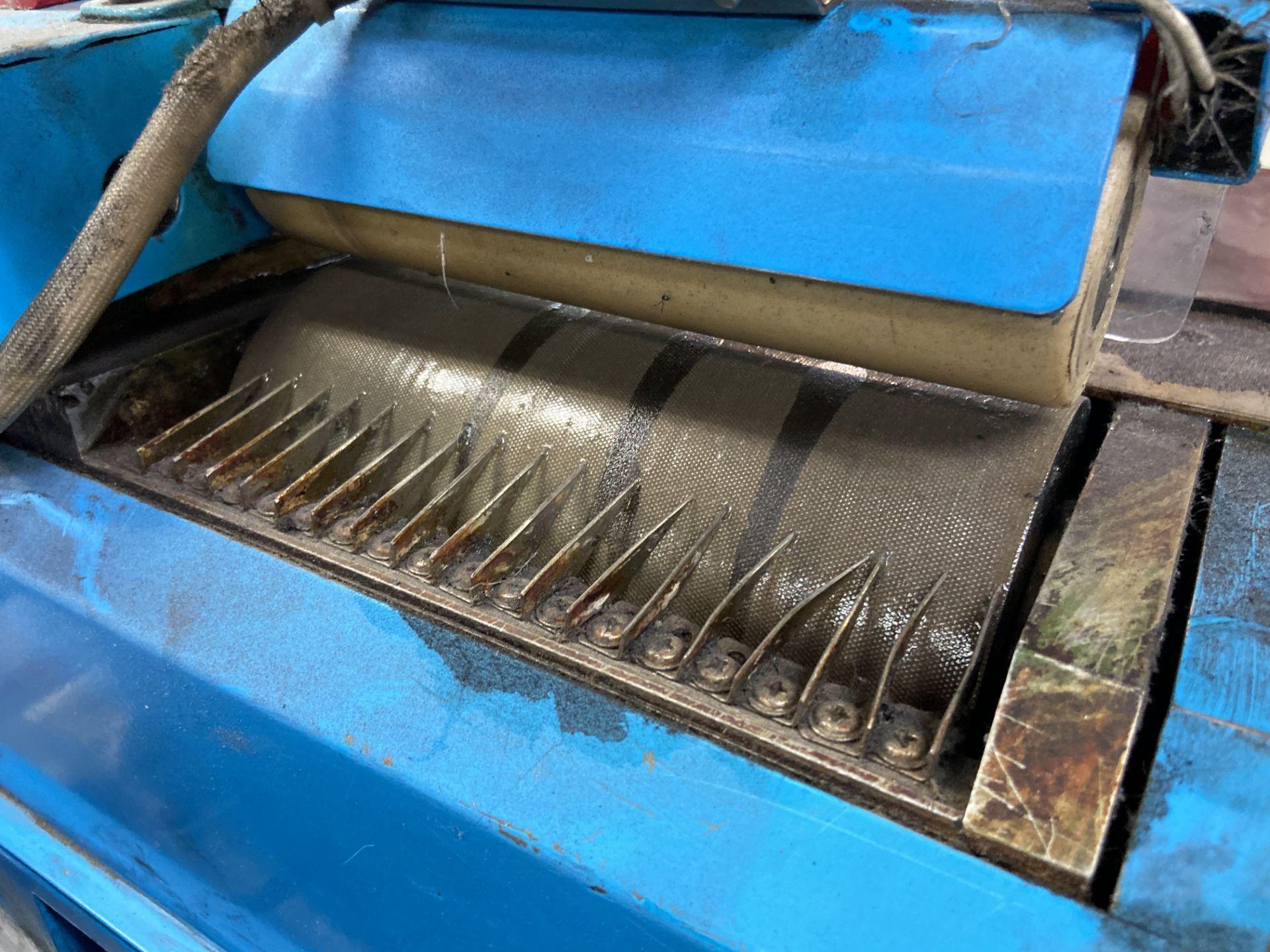 Lot 75 - (2) Mini glue de rodillo marca Hwang Sun Enterprise, Modelo: HS7003A-A