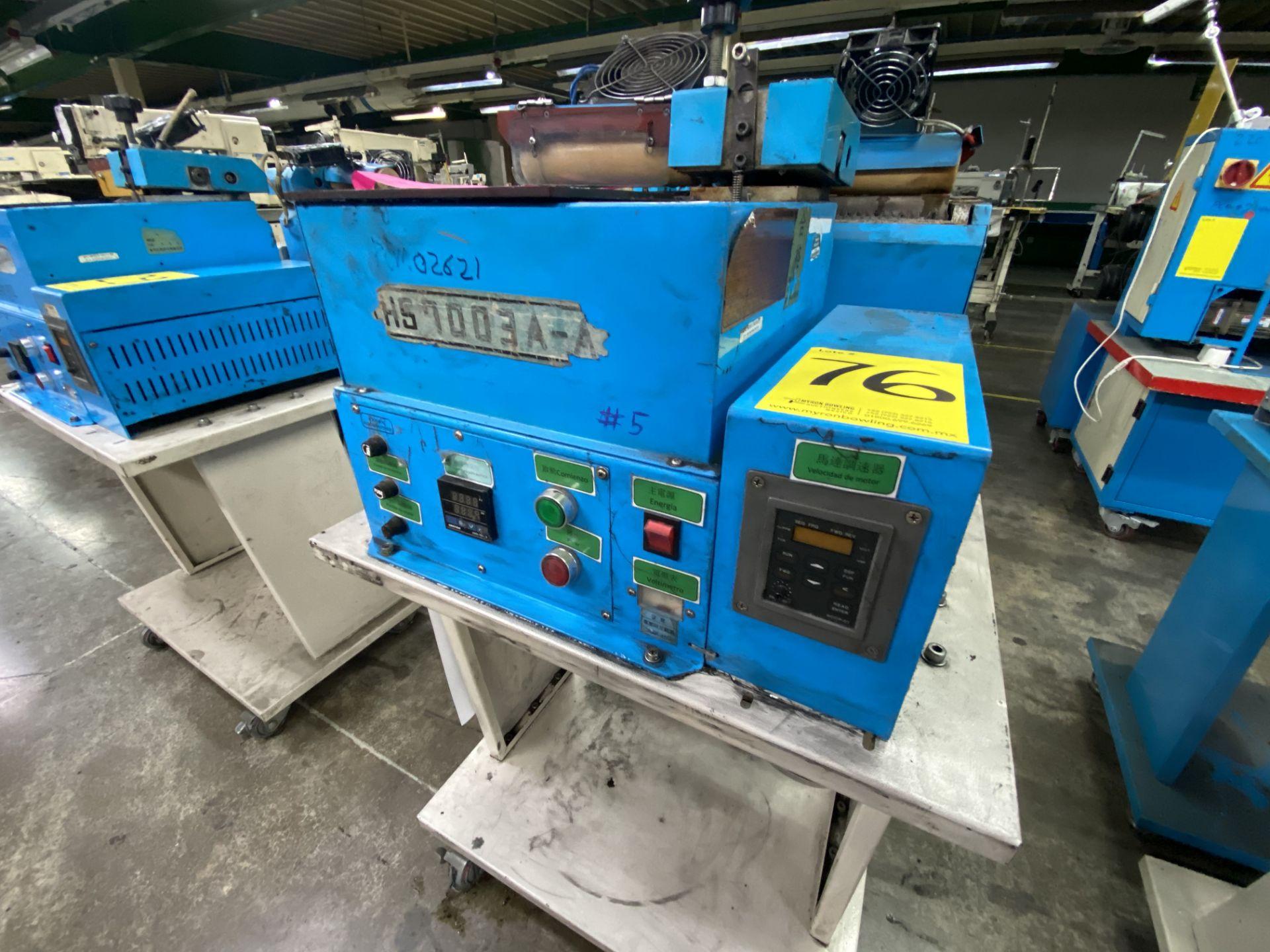 Lot 76 - (2) Mini glue de rodillo marca Hwang Sun Enterprise, Modelo: HS7003A-A