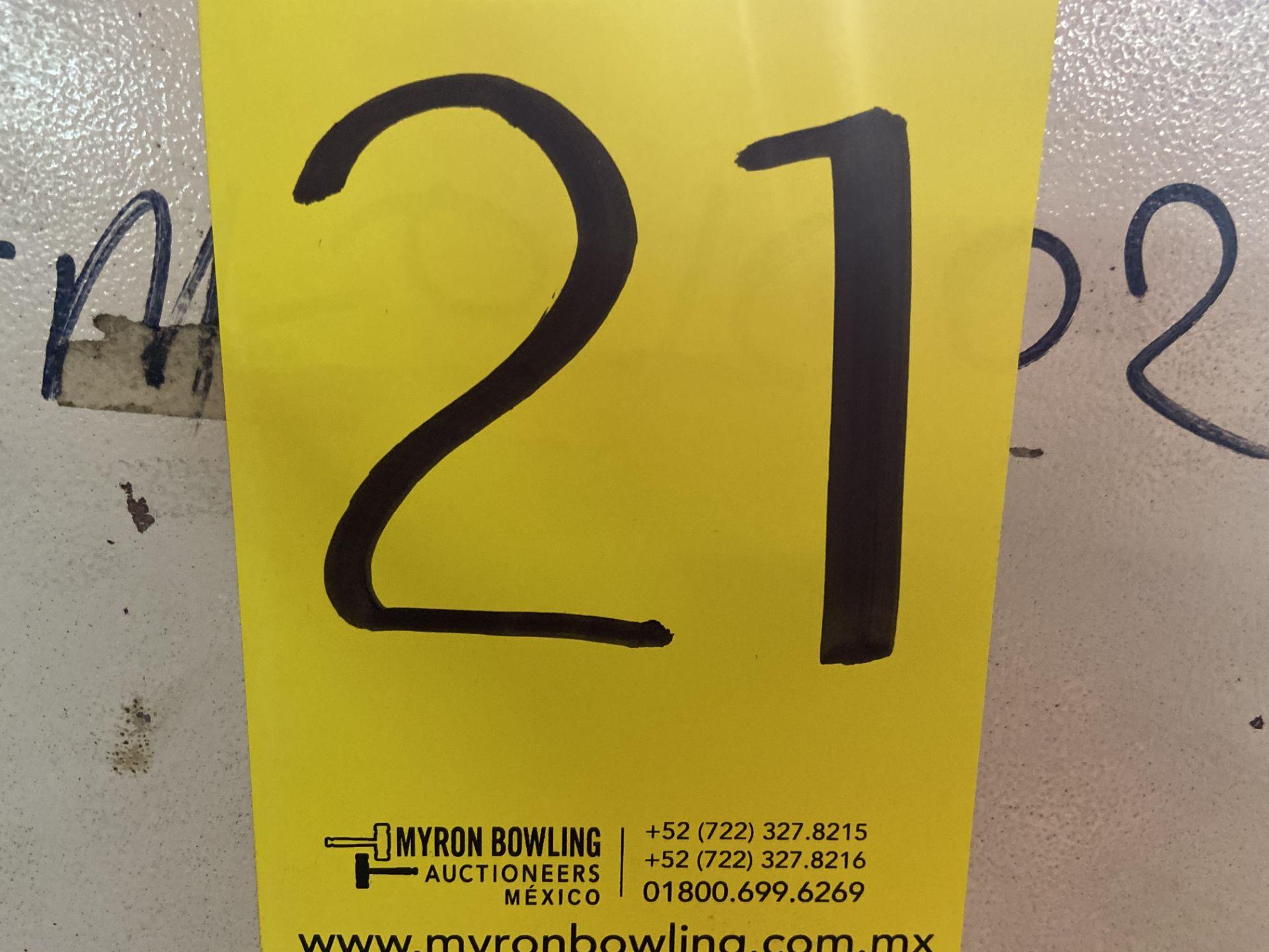 Lot 21 - Prensa de grommet marca Dah Jiuh Enterprise, Modelo: DJ-1036
