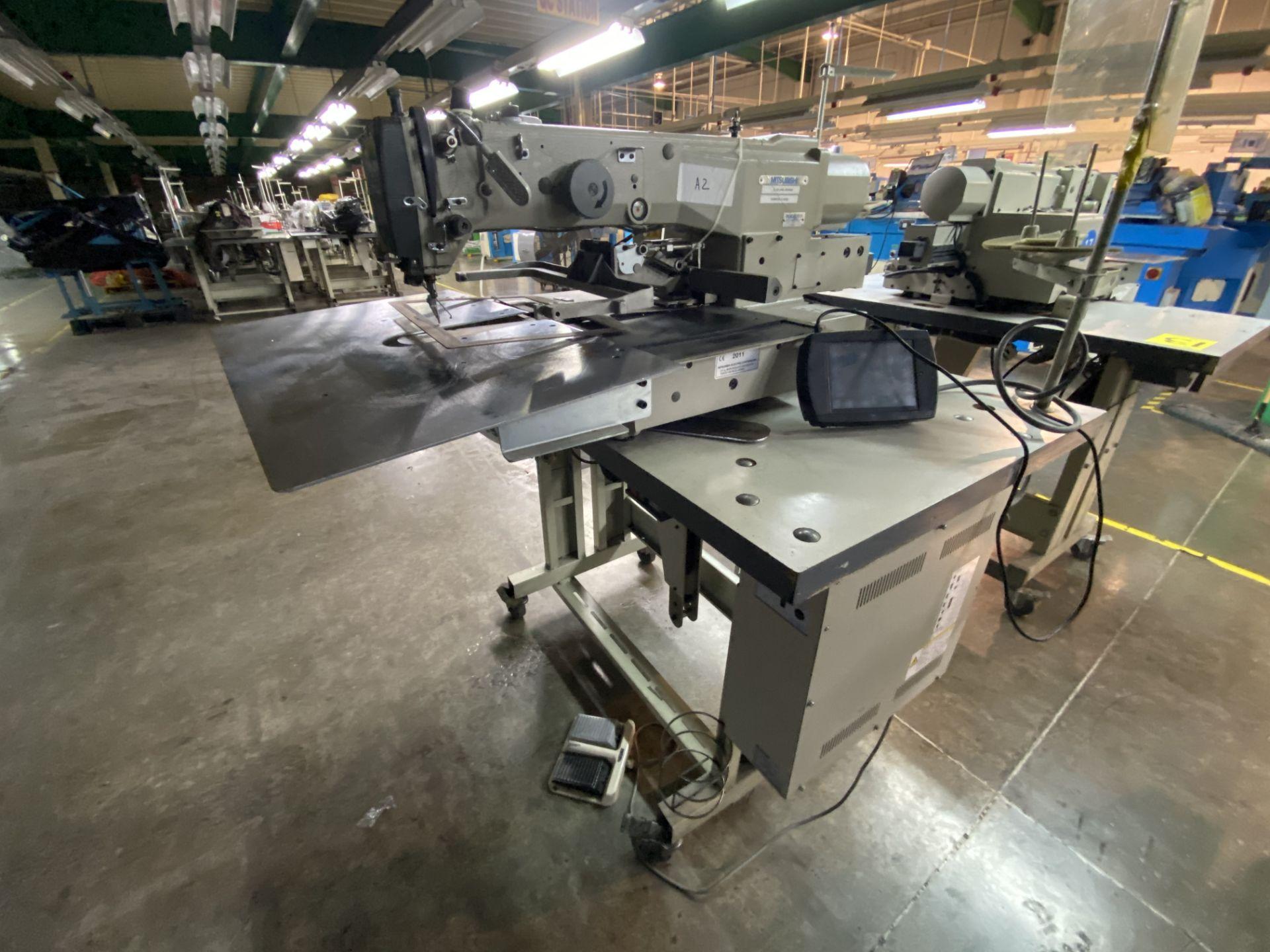 Lot 14 - Máquina de costura programable marca Mitsubishi de una aguja, Modelo: PLK-G2516
