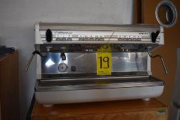 Máquina de café esspreso automática de dos grupos marca Simonelli, Modelo: APPIA II V GR2