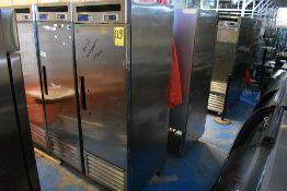 Refrigerador en acero inoxidable marca Parker Equipment, Modelo: LFB-771PC, Serie: LX02A94J600024