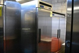Refrigerador en acero inoxidable marca Parker Equipment, Modelo: LFB-771PC, Serie: PK03A94K200002
