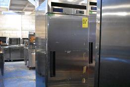 Refrigerador en acero inoxidable marca Parker Equipment, Modelo: LFB-771PC, Serie: PK03A94KA00008