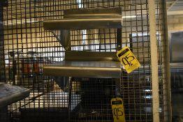 Seis repisas de acero inoxidable en diferentes medidas.