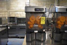 Exprimidor de naranjas marca Zumex, Modelo: VERSATILEPRO, Serie: 448060, Año 2017, Activo: 004116.