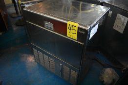 Máquina fabricadora de hielo en acero inoxidable marca Icematic, Modelo: E90 A IX 220/60/1