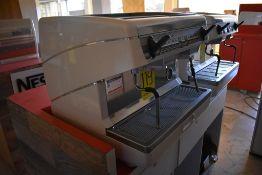 Máquina de café esspreso automática de dos grupos marca Simonelli
