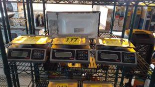 Tres básculas electrónicas marca Torrey, Modelo: L-EQ 5/10; Series: F18-007312, F18-007293