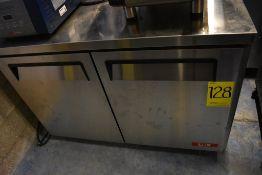 Mesa de trabajo con base refrigerada de dos puertas abatibles marca Lux, Modelo: MUC48