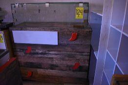 Barra exhibidora de pan en melamina, medidas: 122 x 50 x 144 cm