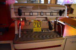 Máquina de café esspreso semiautomática de dos grupos marca Simonelli