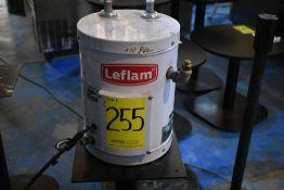 Calentador eléctrico marca Leflam, Modelo: 204-009, Serie: 18F200161, Activo: 004025