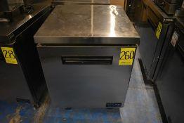 Mesa de trabajo con base refrigerada de una puerta abatible marca Parker Equipment