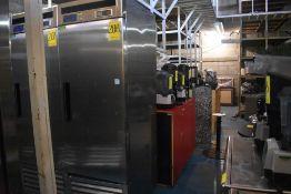 Refrigerador en acero inoxidable marca Parker Equipment, Modelo: LFB-771PC