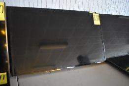 Pantalla Full HD de 50 pulgadas marca Samsung, Modelo: UN50J5200DF, Serie: 07173CNJA00220V