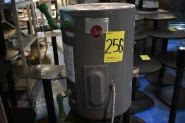 Calentador eléctrico marca Rheem, Modelo: XE10P06PU20M, Serie: Q451844525, Activo: 004265