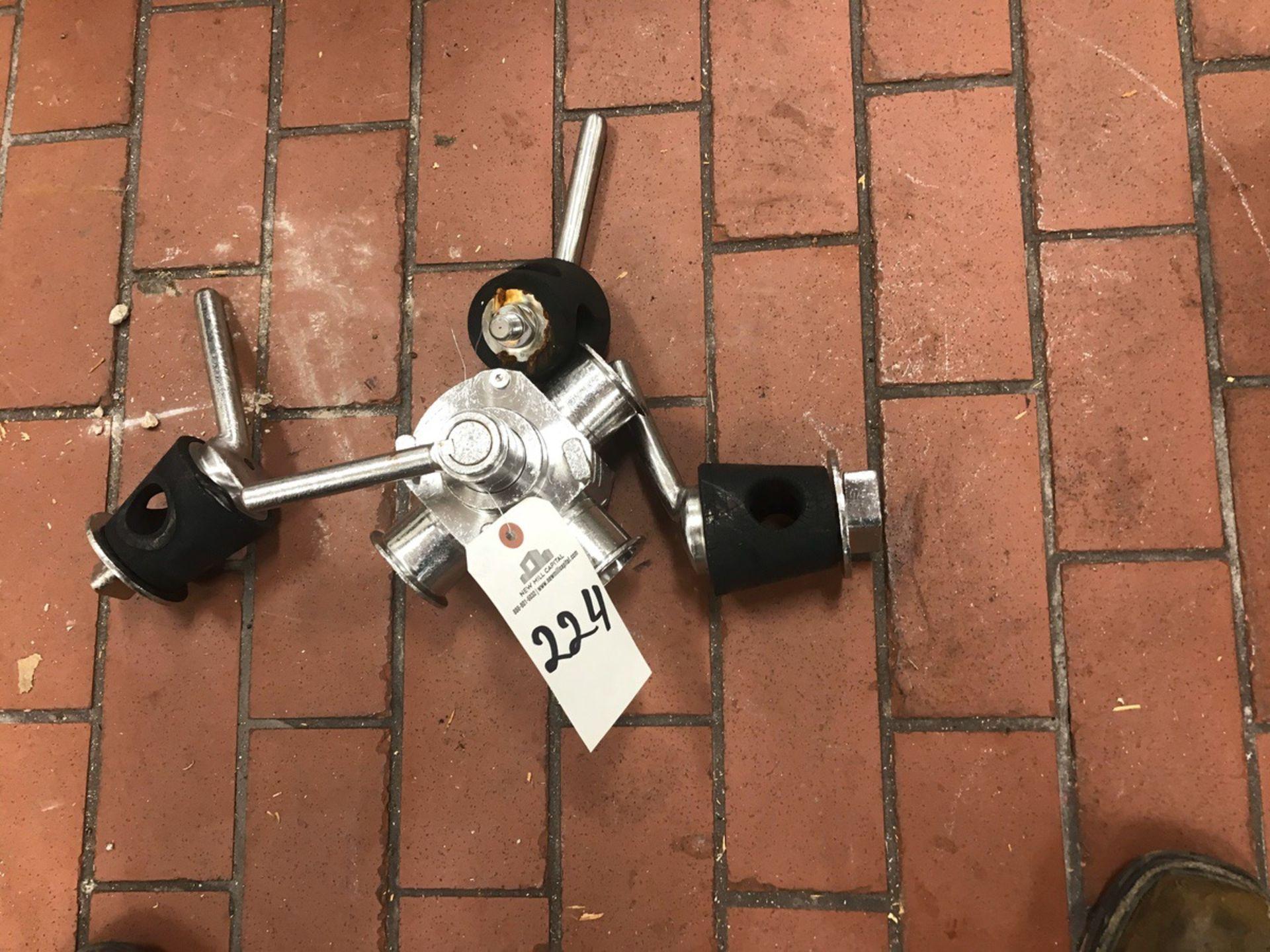 Lot 224 - Plug Valves | Rig Fee: $20