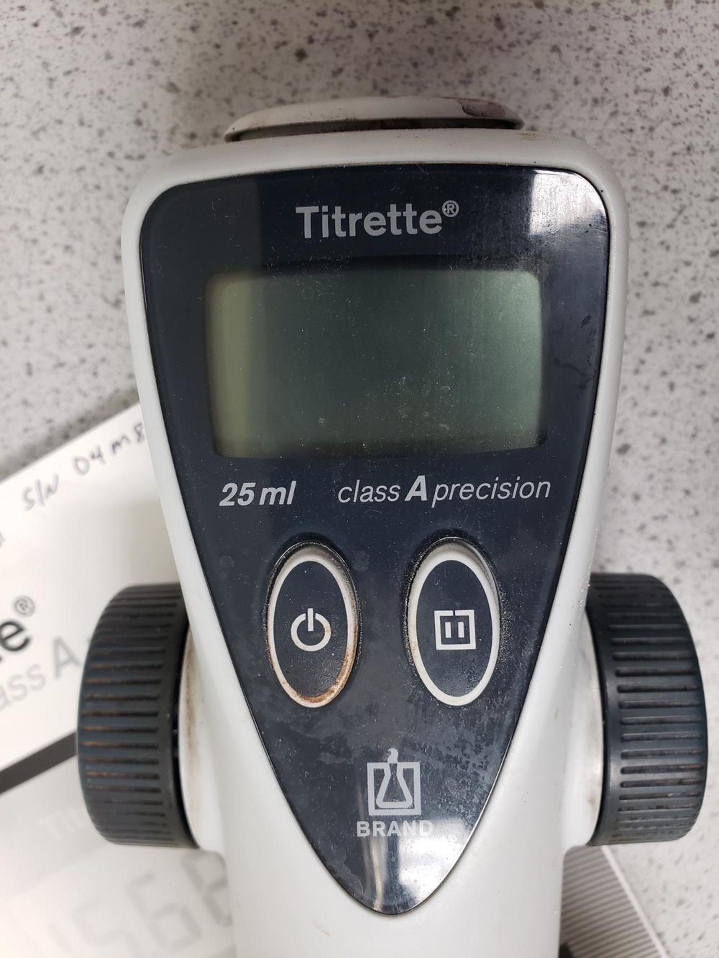 Lot 1074 - Titrette Dispensers   Rig Fee: Hand Carry or Contact Rigger