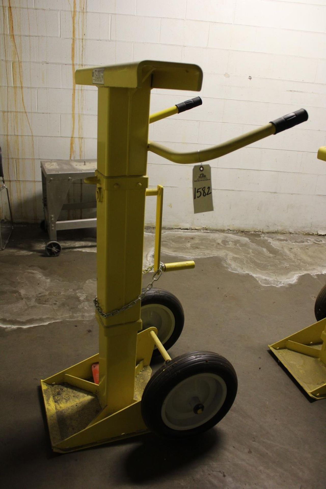 Lot 1582 - Rite Hite TS-2000 Trailer Stand - Subject to Bulk Bid Lot 15 | Rig Fee: Hand Carry or Contact Rigger