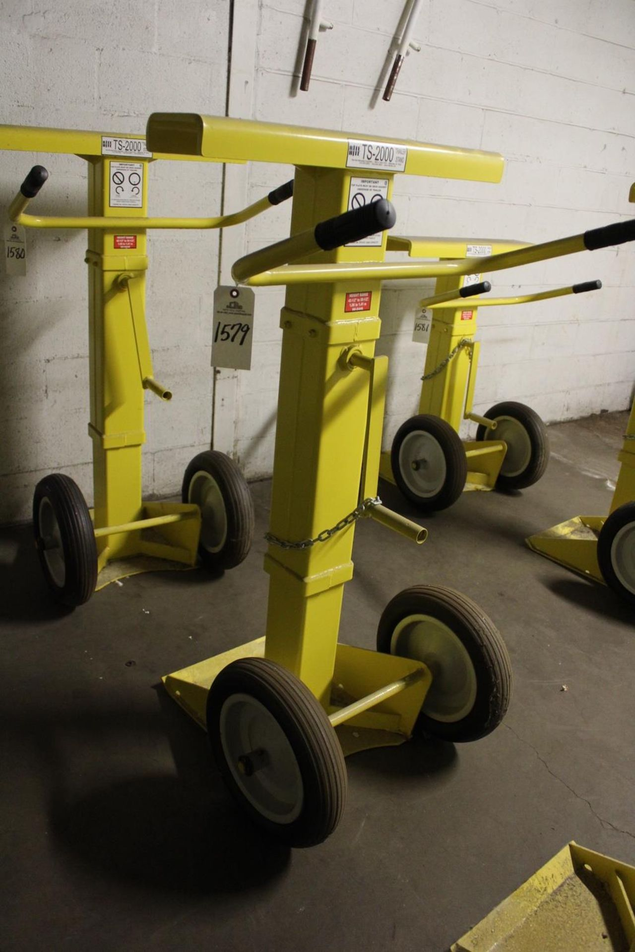 Lot 1579 - Rite Hite TS-2000 Trailer Stand - Subject to Bulk Bid Lot 15 | Rig Fee: Hand Carry or Contact Rigger