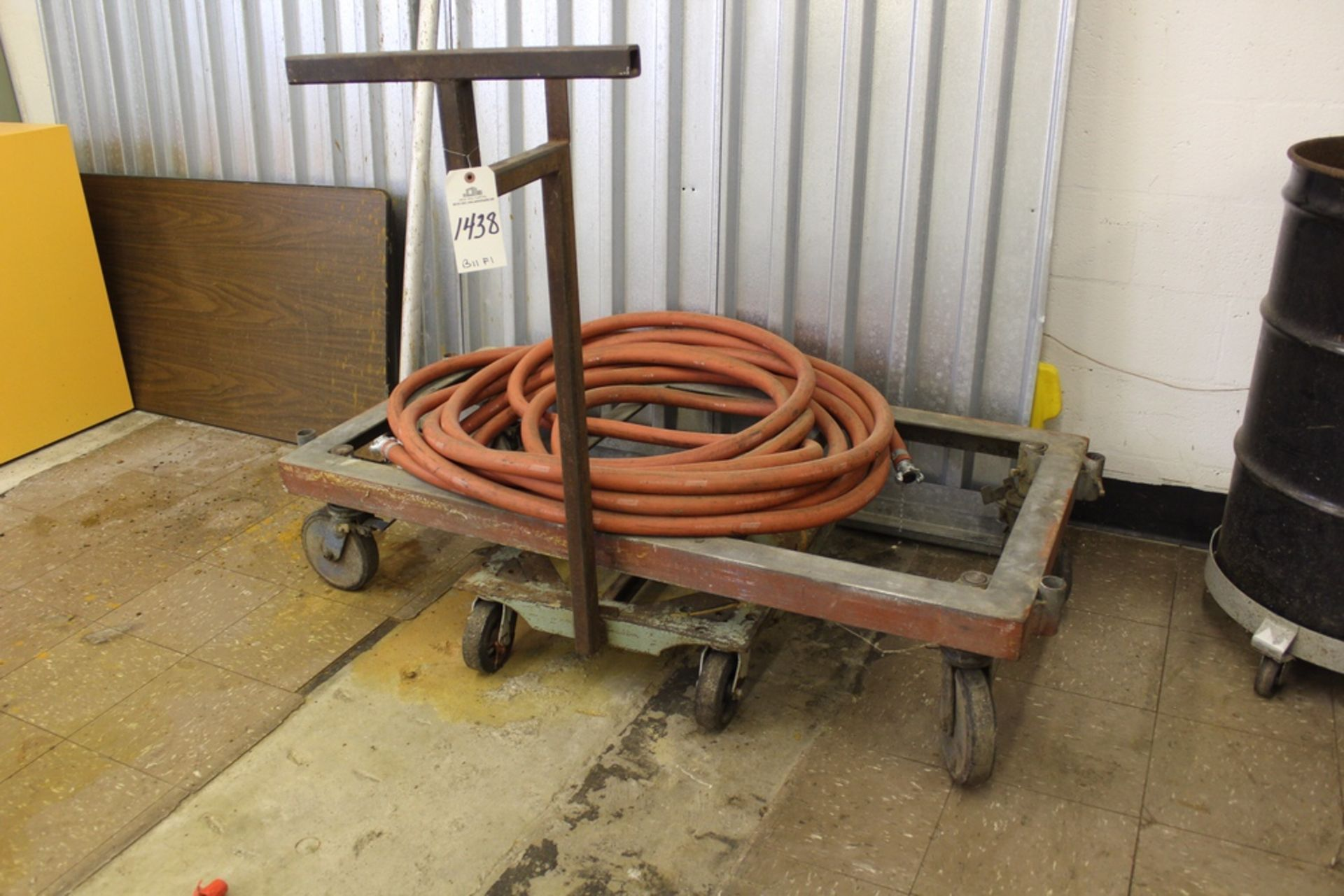 Lot 1438 - Lot of Sanitation Supplies | Rig Fee: Hand Carry or Contact Rigger