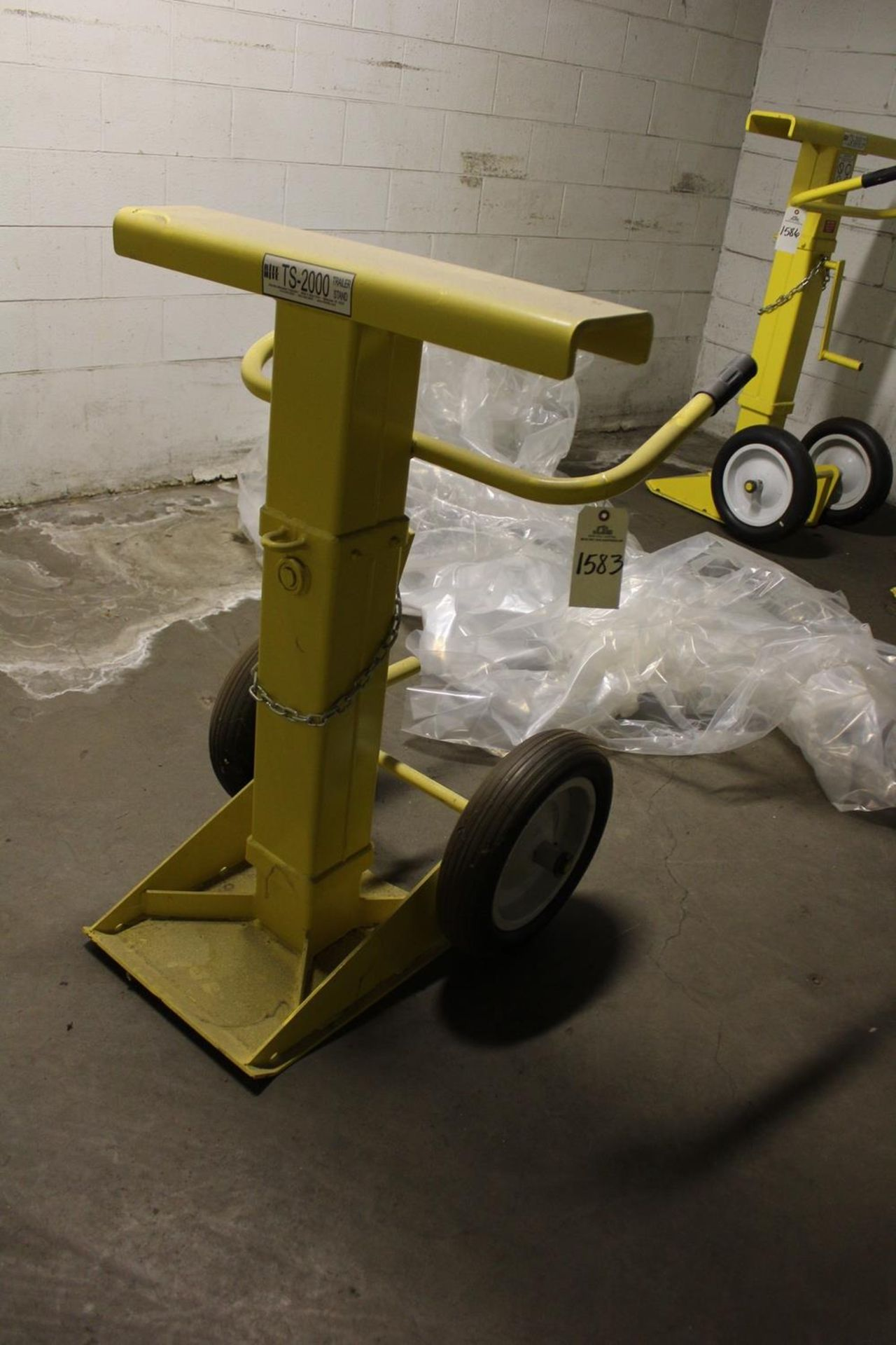 Lot 1583 - Rite Hite TS-2000 Trailer Stand - Subject to Bulk Bid Lot 15 | Rig Fee: Hand Carry or Contact Rigger