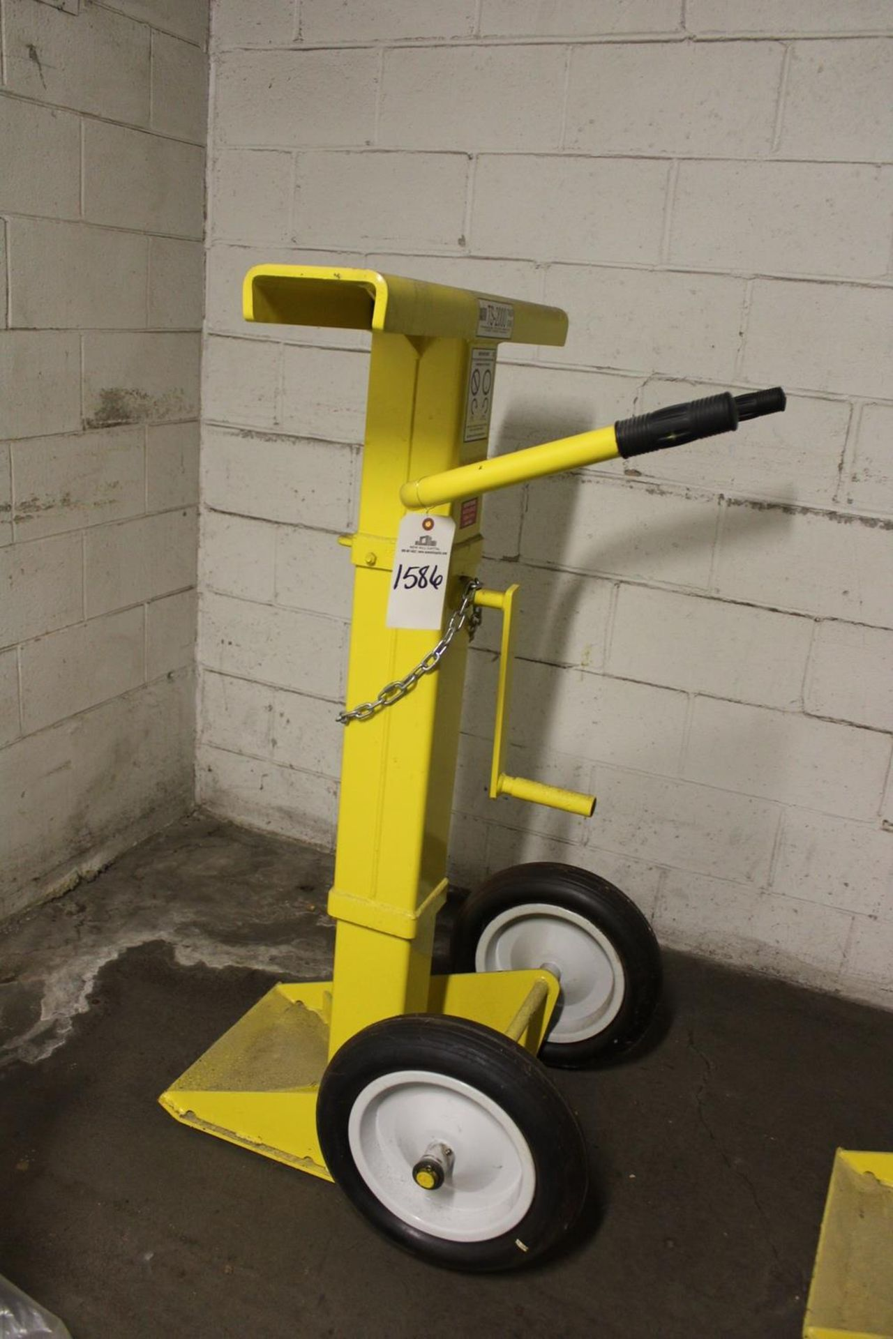 Lot 1586 - Rite Hite TS-2000 Trailer Stand - Subject to Bulk Bid Lot 15 | Rig Fee: Hand Carry or Contact Rigger