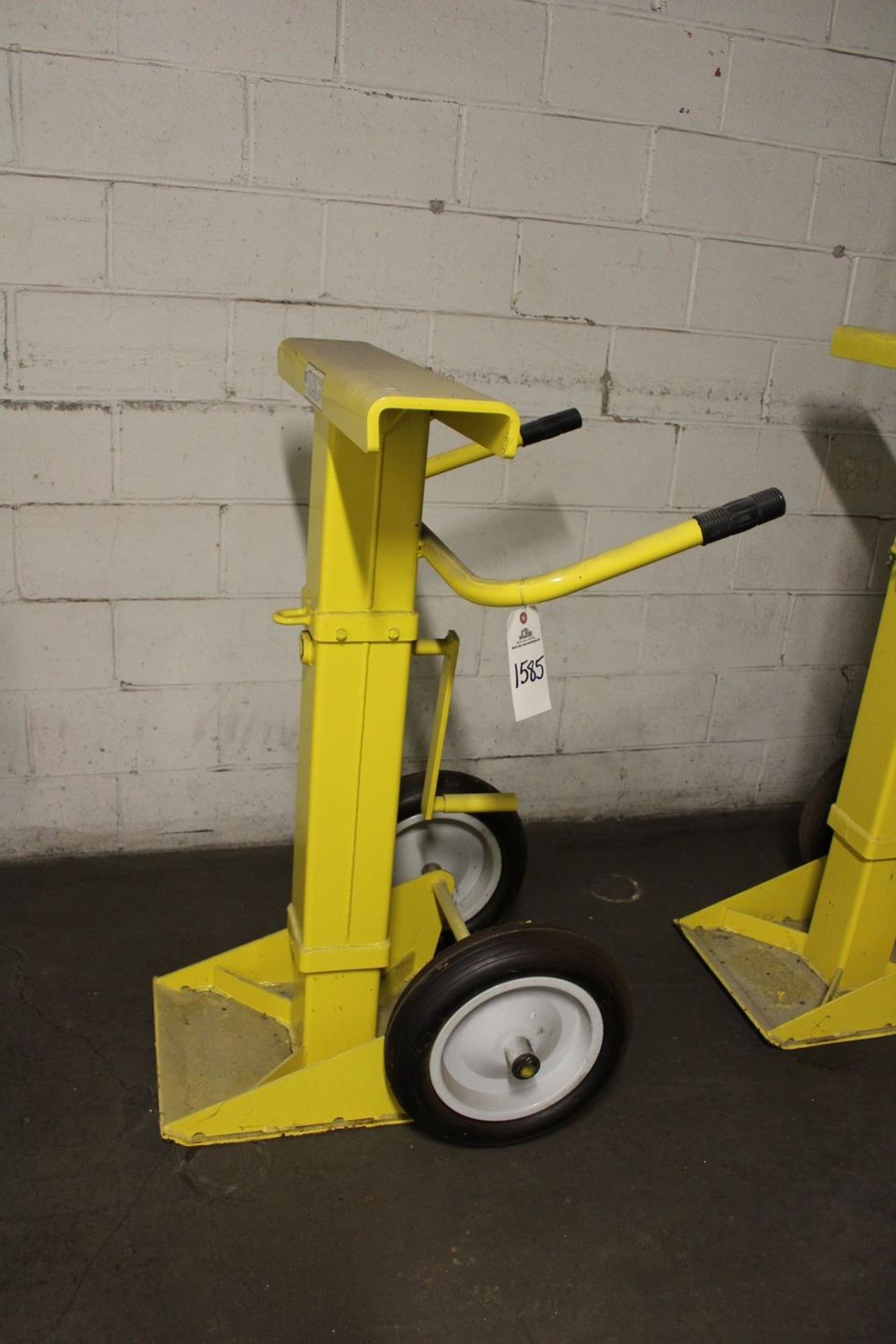 Lot 1585 - Rite Hite TS-2000 Trailer Stand - Subject to Bulk Bid Lot 15 | Rig Fee: Hand Carry or Contact Rigger