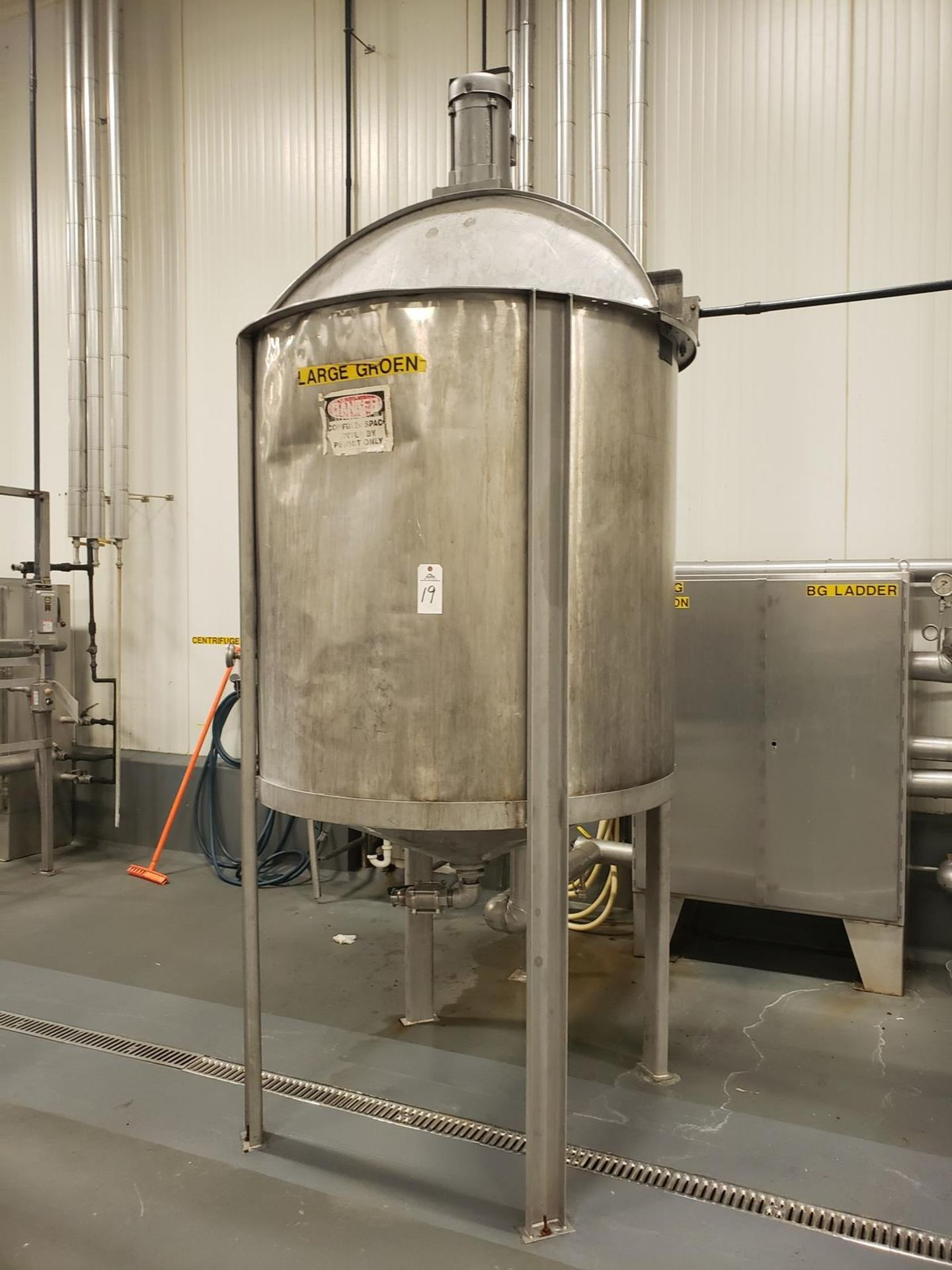 "Lot 19 - Tank - 600 Gallon Stainless Steel Mixing Tank, 55"" X 56"" Deep, Cone Botto - Loc: NJ 