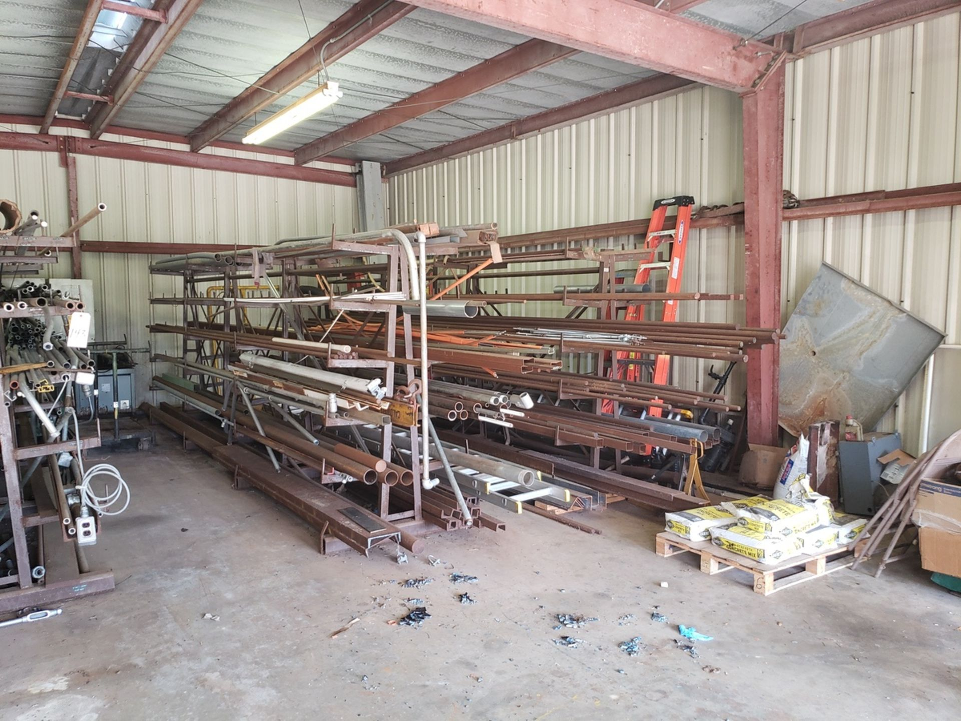 Lot 143 - Contents of Outside Storage Shed | Rig Fee: $350