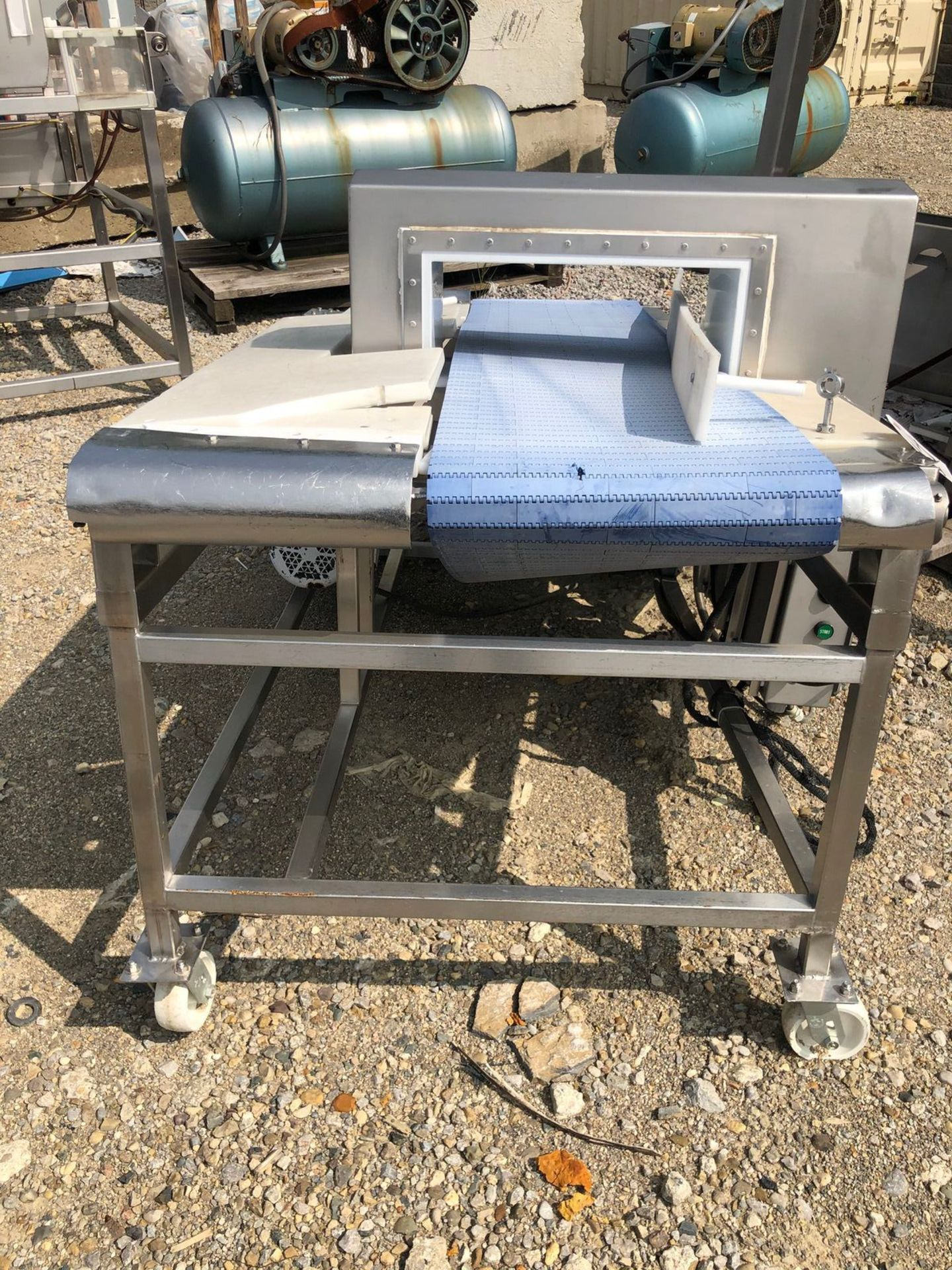 Safeline Metal Detector, Approx Aperture 20in W x 7in Clear | Rig Fee: $150 See Full Desc - Image 2 of 5