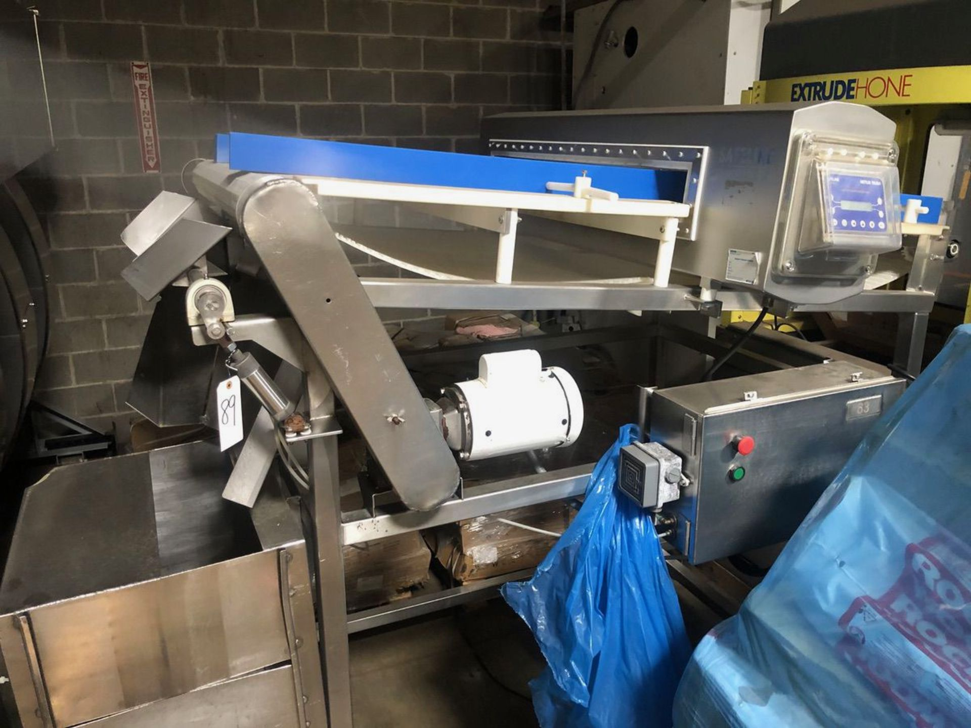 Safeline Conveyorized Slab Metal Detector with Retracting Reject (Tag | Rig Fee: $250 See Full Desc