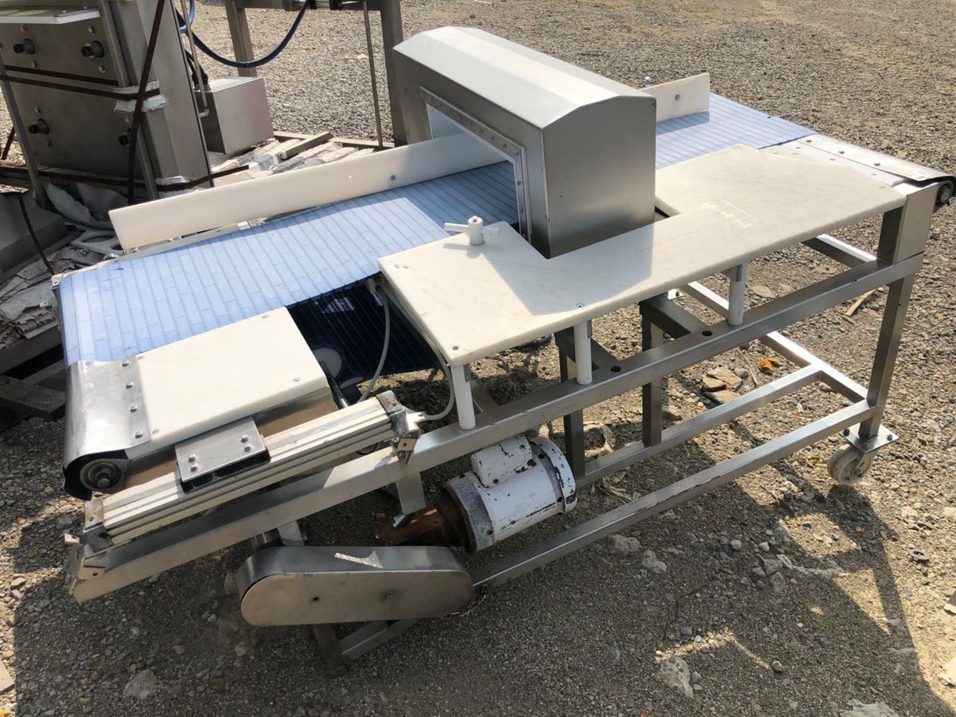 Safeline Metal Detector, Approx Aperture 20in W x 7in Clear | Rig Fee: $150 See Full Desc - Image 3 of 5