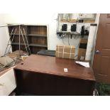 {LOT} IN Office c/o: Desk, Décor, File, Door, Etc. (NO PHONE SYSTEM)