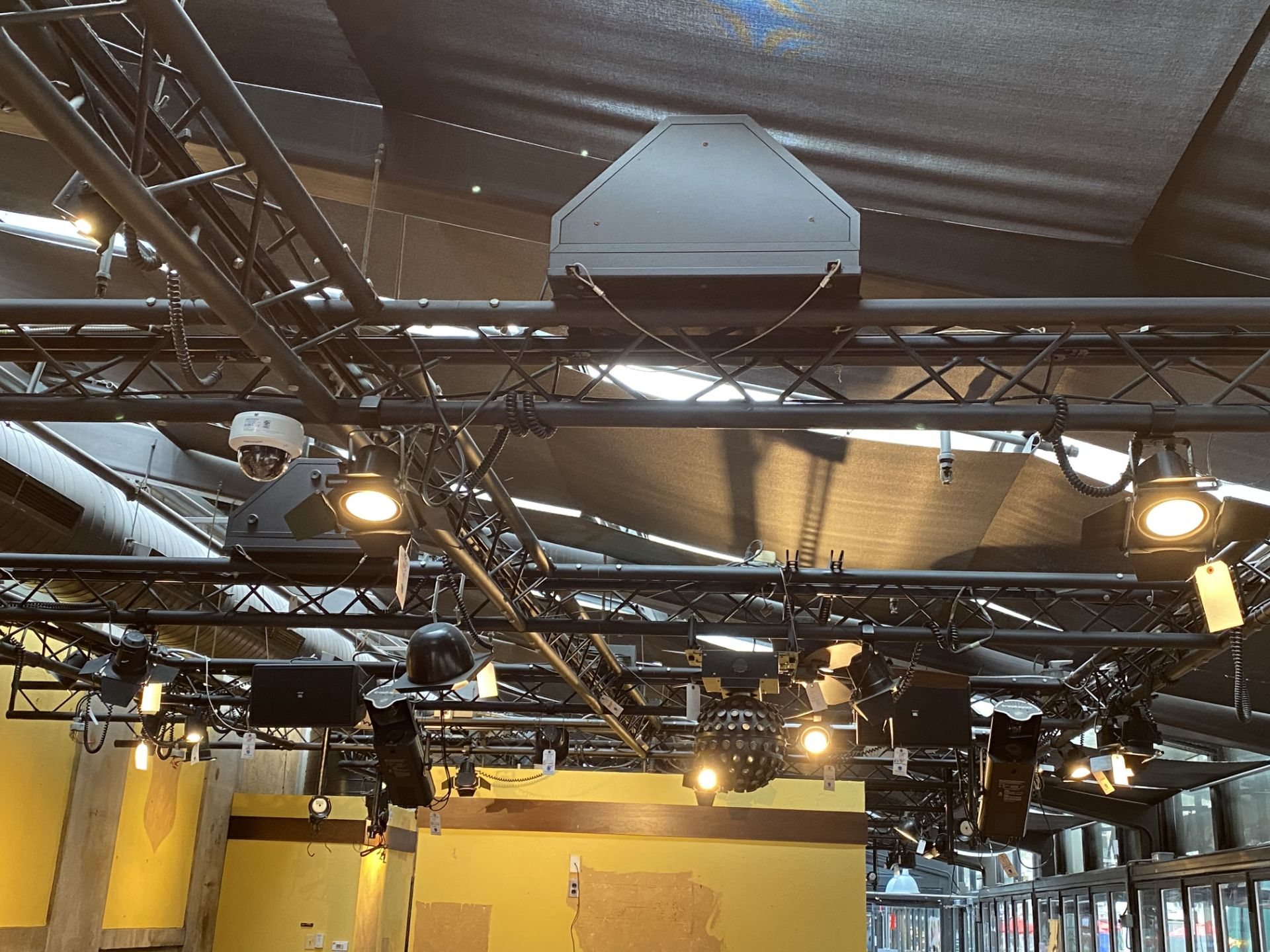 Lot 112 - Approx. 32'L x 17'W Painted Aluminum Ceiling Mounted Truss System (MUST BE TAKEN DOWN IN WORKMANLIKE