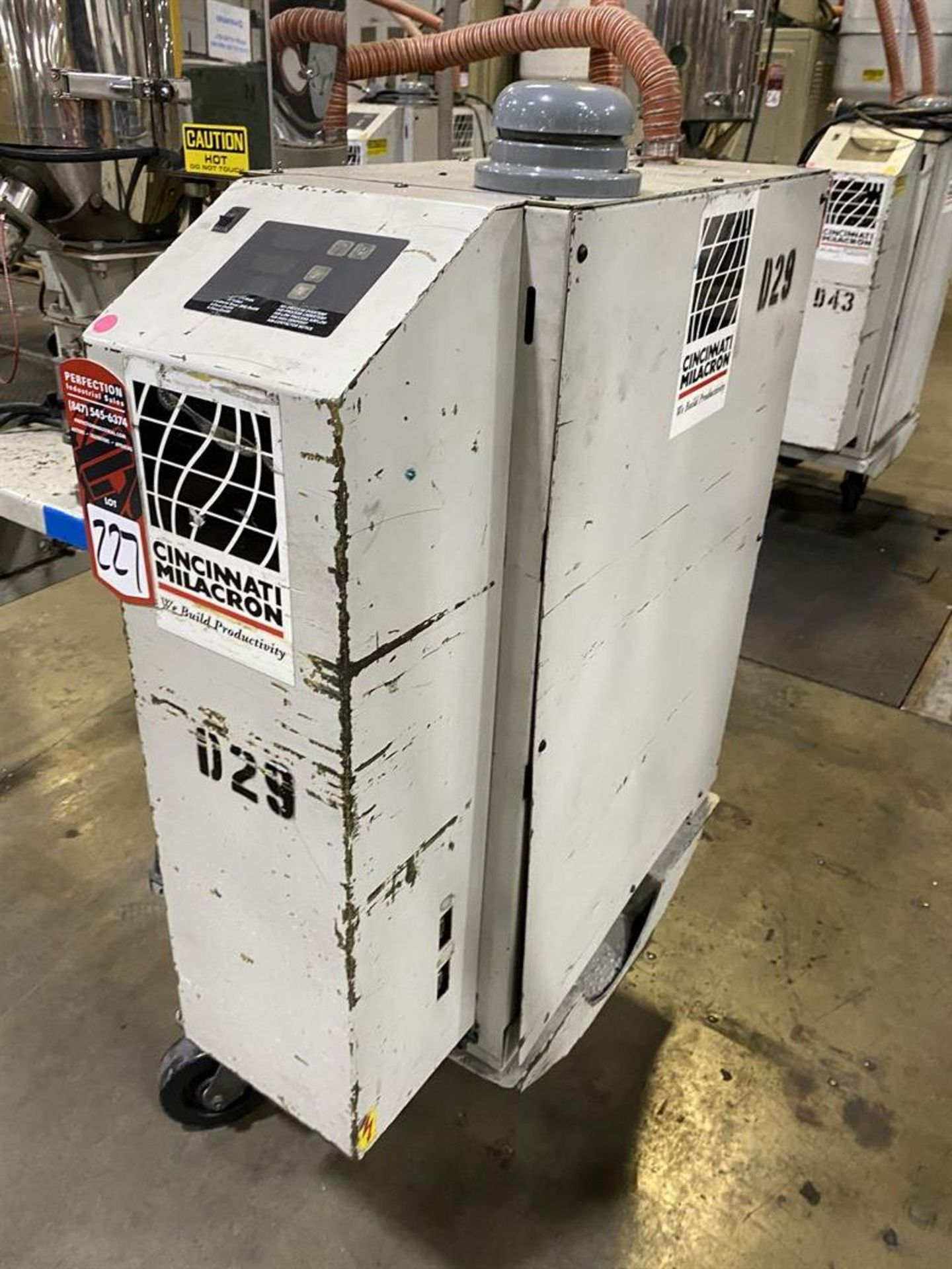 Lot 227 - Cincinnati Milacron M-GS-60 Hopper Dryer System, s/n 3933A01-04-28, w/ Vacuum Loader